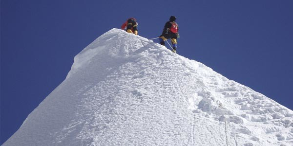 Au sommet de l'Island Peak au Khumbu