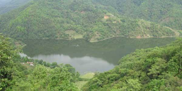 Le lac Begnash plus pres du Pokhara