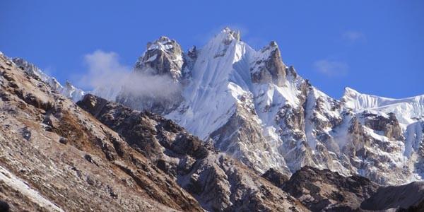 Les vues des Himalayas depuis oktang