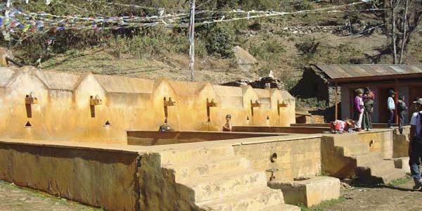 Sources d'eau chaude sur le trek Langtang